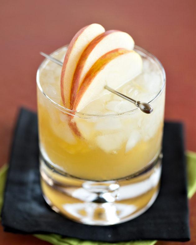 Apple-Bourbon-Ginger-Smash-8-630-630x786